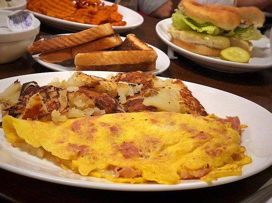 Farmingdale, NJ: The Ham Omlette to die for