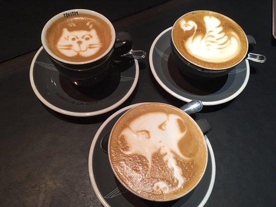 delightful coffee art :)