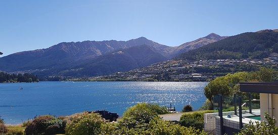 Lake Wakatipu: Stunning view
