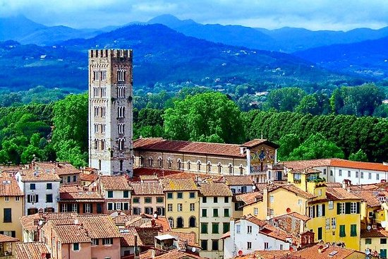 Look at Lucca: Walking Tour and...