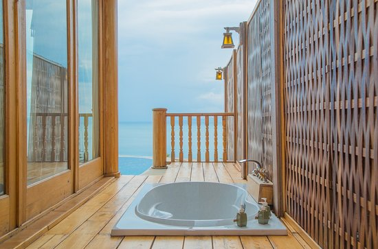 Outdoor bathtub with beautiful view