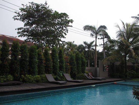Grand Cakra Hotel: Kolam Renang