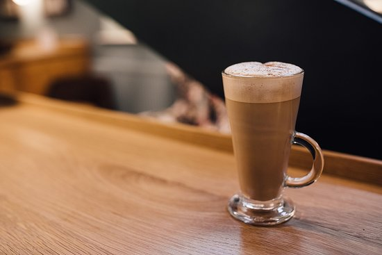 Stables Bar & Grill: Latte anyone?