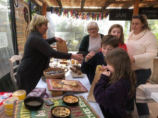 Punta Ballena Market: Casildo panes tartas y dulces