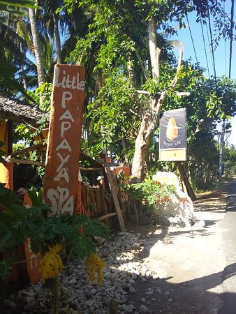 Ped, Indonesia: Little Papaya Spa on Nusa Penida island