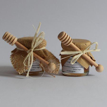 Montegiardino, San Marino: Cerchi una bomboniera per un'occasione speciale, che sappia essere originale e perché no, anche golosa? Regala un vasetto di miele… verrà sicuramente apprezzato!