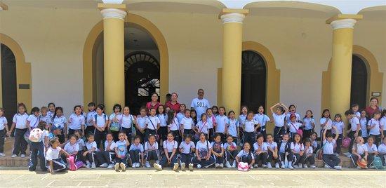 Centro Cultural del Oriente: Visita por parte del colegio el Pilar de Bucaramanga.