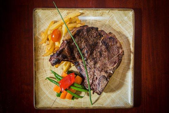 Bodega Jose Carvery & International Food Charcoal Grill: Grilled T Bone Steak