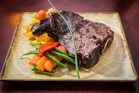 Bodega Jose Carvery & International Food Charcoal Grill: Massive portion