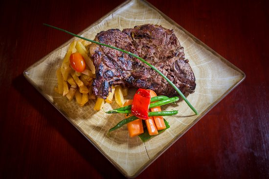 Bodega Jose Carvery & International Food Charcoal Grill: @ Bodega Jose