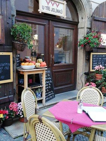 Nerudova Street: カフェ