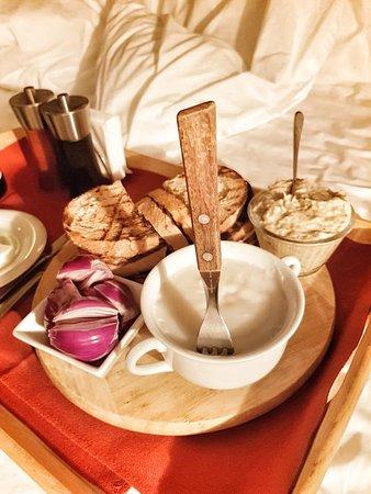 Archia, Romania: Rustic dinner in bed