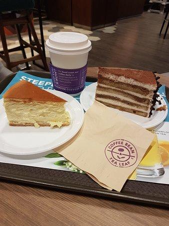 The Coffee Bean Tea Leaf Singapore Airport Blvd Changi Menu Prices Tripadvisor