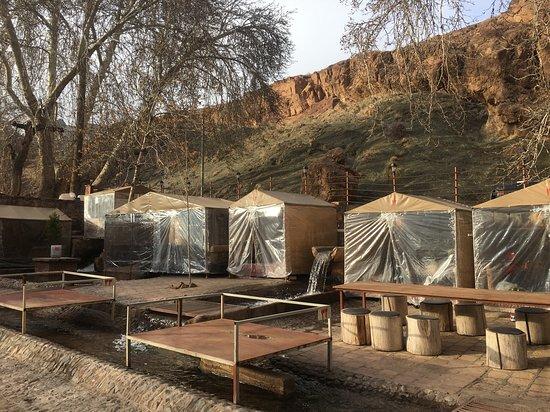 Abyaneh, Iran: Gemütliche beheizte Kabinen