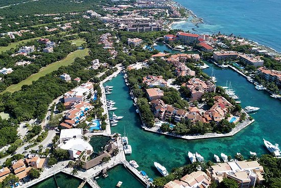 Puerto Aventuras, Mexico: In an exclusive private complex, where you like to live, come and enjoy a betiful vaction
