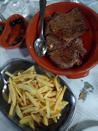Naco com batatas fritas