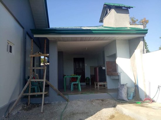Patar Beach: Paradise Inn a big Bungalow house for 15 persons with European standard book now and experience to enjoy your vacation with high standard of living