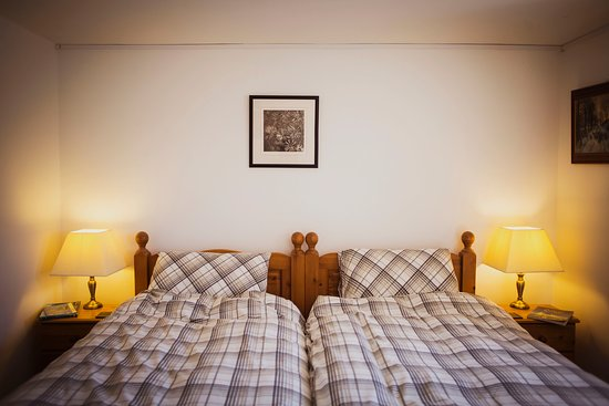 Alltwalis, UK: Potter's Room, twin bed and disabled friendly. Wet room instead of shower and plenty of space. Coffee and tea facilities, bedding and towels in the room to make your stay comfortable and successfull