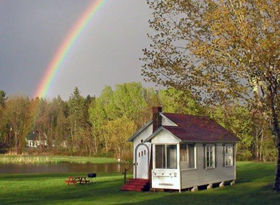 Eden Village Motel and Cottages: Cottage 8 sleeps 2