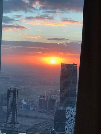 Good morning Dubai from 64 floors up!