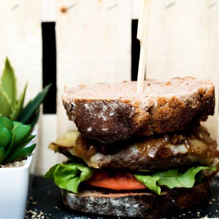 Composez votre burger et succombez aux innovations du chef :)
