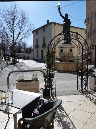Besse-sur-Issole, France: Vue de la terrasse