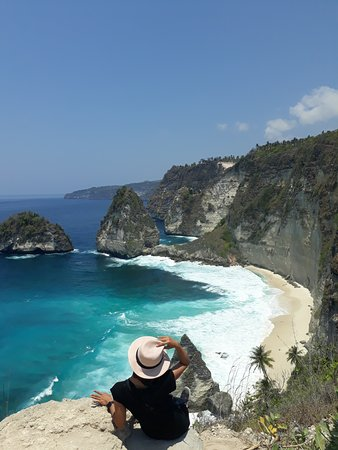 This place one of the most amazing in Nusa Penida island, anyone get the  new experience and can not forgetten