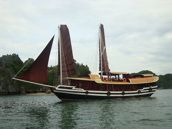 Cat Ba Private Cruises