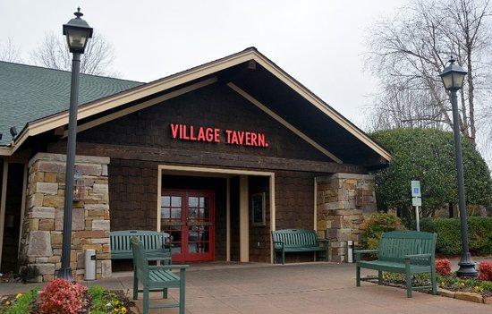 Village Tavern Hanes Mall: Entrance