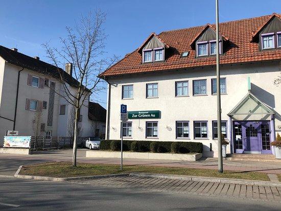 Aussenansicht Mit Parkplätzen Picture Of Zur Grünen Au Erlangen Tripadvisor