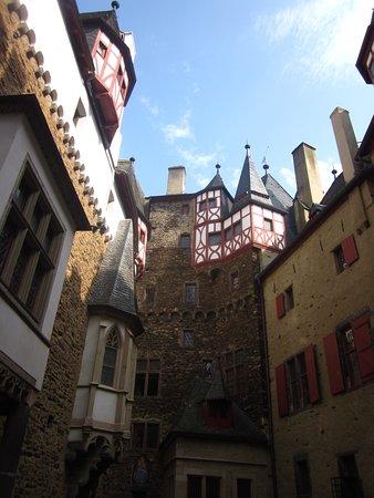 Eltz Castle: Interno Burg Eltz