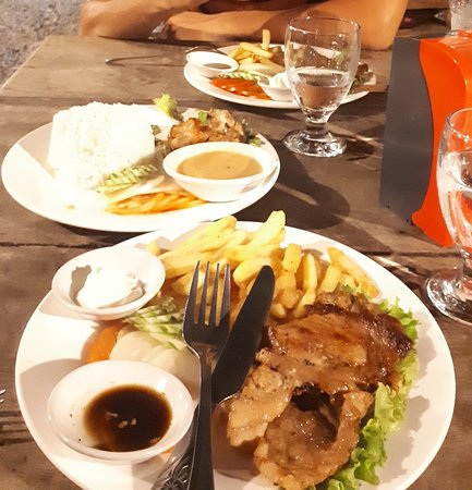 Captain Chims Guesthouse Restaurant