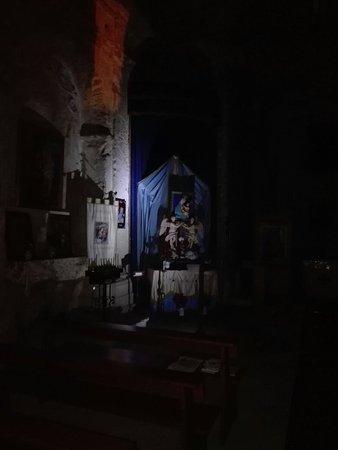 Torremezzo di Falconara, อิตาลี: Particolari dell'interno