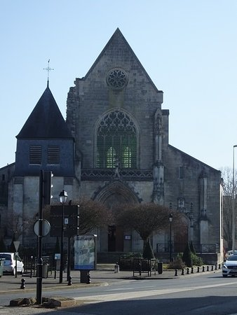‪Eglise Saint-Bonnet‬