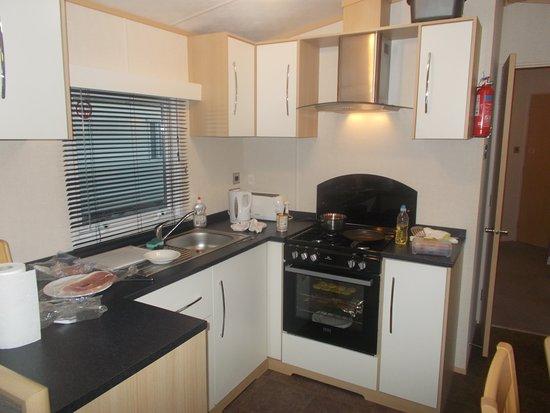Stanwix Park Holiday Centre: Kitchen