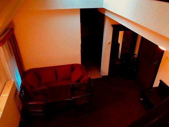 Zamek Kliczkow: Eingangsbereich mit kleiner Kochnische und Bad