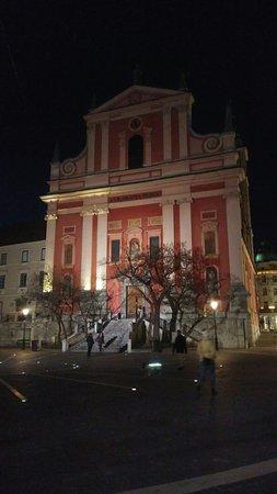 Franciscan Church (Frančiškanska cerkev): Esterno della struttura