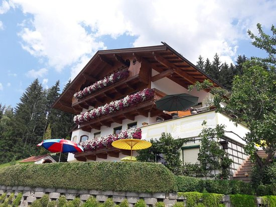 Apartments Ferienwohnungen Schneeberger: Haus Schneeberger Stummerberg 79d