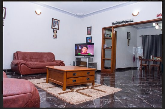 The Lounge-Annex
