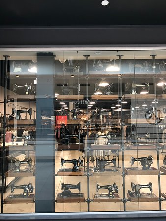 5ae734636a7 Fashion Outlets of Chicago (Rosemont) - 2019 All You Need to Know ...