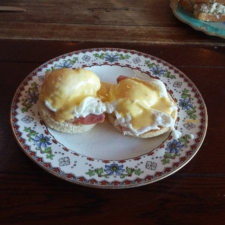 Eggs Benedict - Bacon