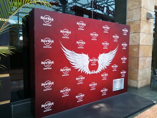 Hard Rock Cafe: A place to take photos
