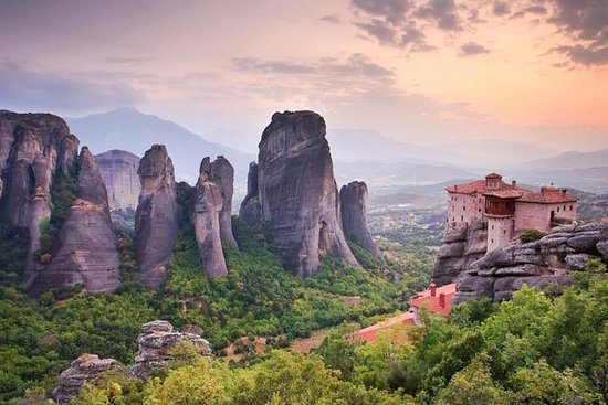 Delphi - Meteora 2 days from Athens