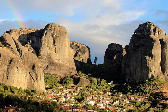Delphi - Meteora 3 days from Athens