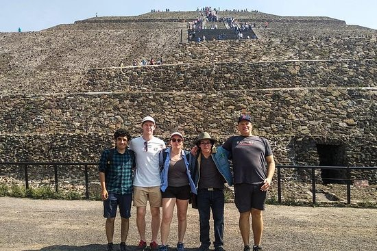 Teotihuacan Pyramids Experience for...