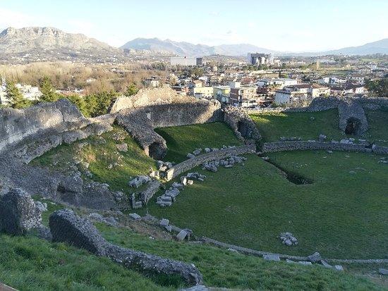 Anfiteatro Romano di Casinum