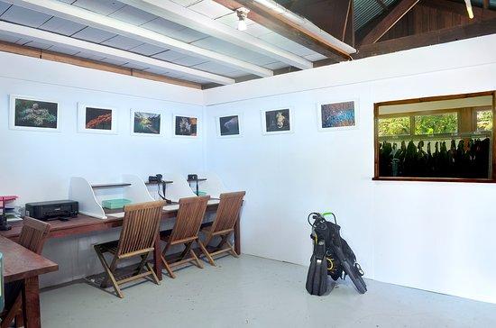Janji Laut Diving Center: Photo station