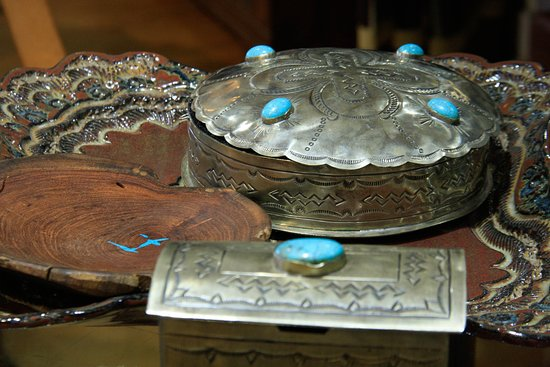 Silver and turquoise items - Picture of King Ranch Saddle