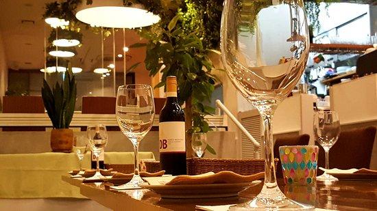 イタリアンレストラン パスタ、ピザ、お肉、デザート、コーヒーとこだわりにお店。