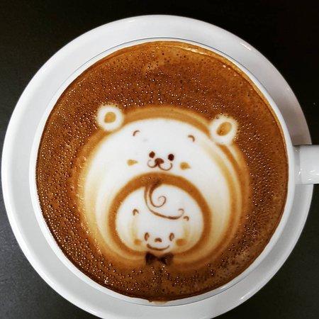 子供とクマのカフェラテ